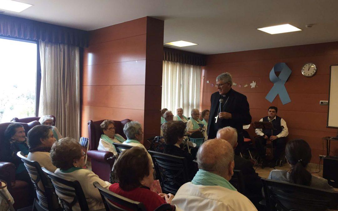 Nuestro Arzobispo D. Braulio visita la residencia